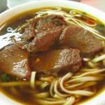 横綱級の人気店「桃源街牛肉麺」