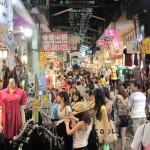 台北一のファッション卸売マーケット「五分埔服飾広場」