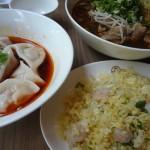 カフェ風麺屋「麻膳堂」でジャズを聴きながら牛肉麺